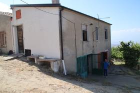 Image No.1-Ferme de 2 chambres à vendre à Corigliano Calabro