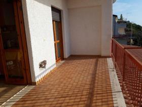 Image No.8-Appartement de 2 chambres à vendre à Falconara Albanese