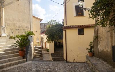 Vico-Municipale-town-house--28-