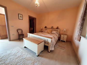 longobardi-house18MO2bed2
