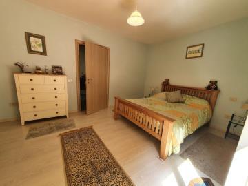 longobardi-house18MObed2