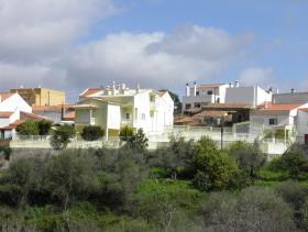 Alferce, Villa
