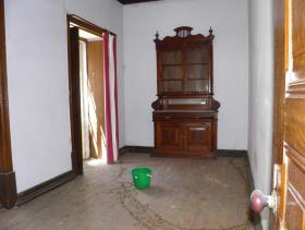 Image No.14-10 Bed Townhouse for sale
