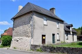 Saint-Julien-le-Vendômois, House