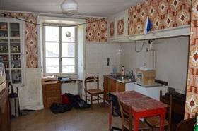 Image No.4-Maison de village de 5 chambres à vendre à Troche