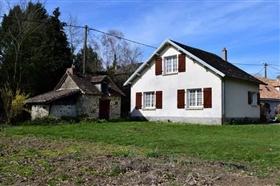 Ladignac-le-Long, House