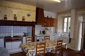 Image No.4-Ferme de 3 chambres à vendre à Le Chalard