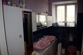 Image No.9-Ferme de 3 chambres à vendre à Le Chalard