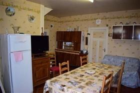 Image No.5-Ferme de 3 chambres à vendre à Le Chalard