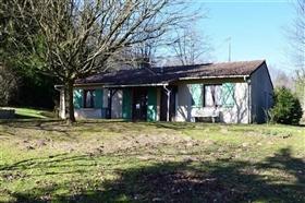 Coussac-Bonneval, House