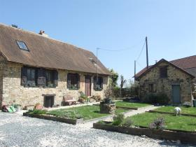 Coussac-Bonneval, Country Property