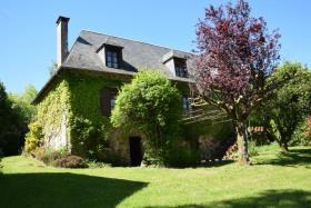 Arnac-Pompadour, Country Property