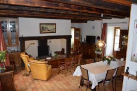Image No.5-Propriété de pays de 5 chambres à vendre à Arnac-Pompadour