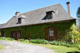 Image No.1-Propriété de pays de 5 chambres à vendre à Arnac-Pompadour
