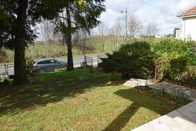 5402_limousin_property_agents_pompadour_townhouse_garage_garden--7-