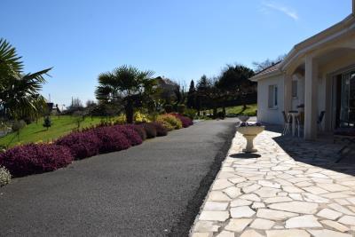 5177_limousin_property_agents_juillac_pavilion_garden_views_car_port--6-