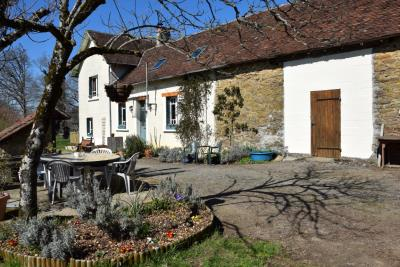 5179_limousin_property_agents_farmhouse_outbuilings_land_views--4-