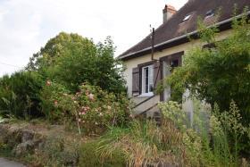 Image No.0-Ferme de 3 chambres à vendre à Lubersac