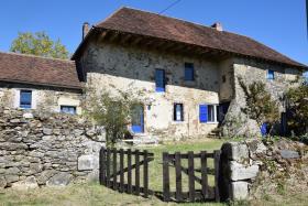 Image No.0-Maison de campagne de 7 chambres à vendre à Arnac-Pompadour