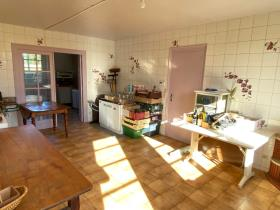 Image No.12-6 Bed Farmhouse for sale