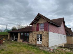 Image No.2-Maison / Villa de 4 chambres à vendre à Angoisse