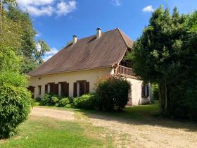 Image No.0-Maison de campagne de 4 chambres à vendre à Lanouaille