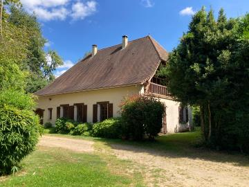 5685_berthou_immo_lanouaille_maison_de_campagne_2_hectares-1-