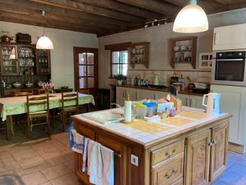 5685_berthou_immo_lanouaille_maison_de_campagne_2_hectares-8-