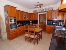 Image No.2-Villa / Détaché de 4 chambres à vendre à Frenaros