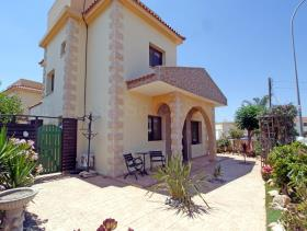 Image No.3-Maison / Villa de 3 chambres à vendre à Liopetri