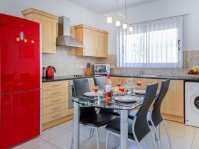 Image No.3-Villa de 2 chambres à vendre à Ayia Triada