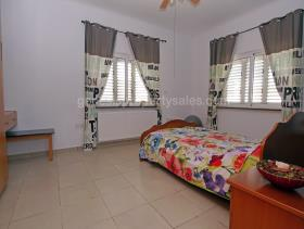 Image No.19-3 Bed Bungalow for sale
