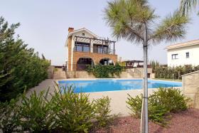 Image No.8-Villa de 4 chambres à vendre à Ayia Thekla