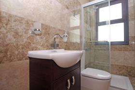 Image No.3-Villa de 4 chambres à vendre à Ayia Thekla