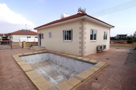 Image No.3-Bungalow de 2 chambres à vendre à Xylofagou