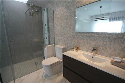bathroom-suitexlarge