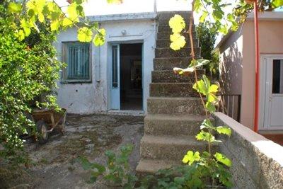 1 - Neapoli, House