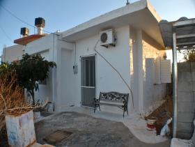 Agios Nikolaos, House