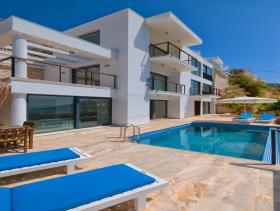 Image No.0-Villa de 5 chambres à vendre à Kalkan