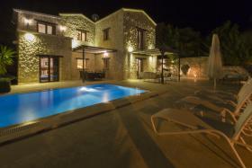 Image No.0-Villa de 3 chambres à vendre à Kalkan
