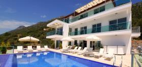 Image No.16-11 Bed Villa for sale