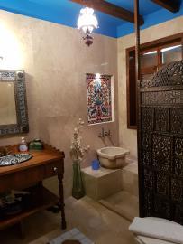 rana-evi-bathroom
