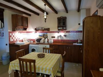 rana-evi-dining-table