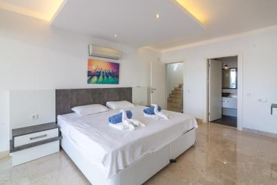 everest-venice-bedroom