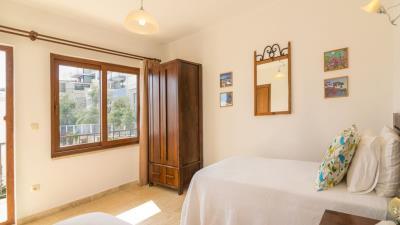 A367-bedroom