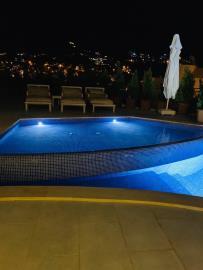 V840-pool-lights