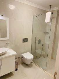 V840-shower-room