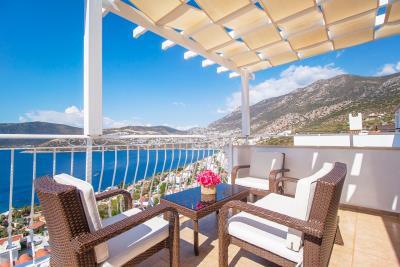 balcony-seating