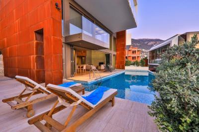 Building-pool