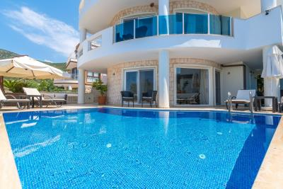 Pool-and-terrace